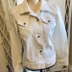 Gap white denim classic jean jacket size Medium